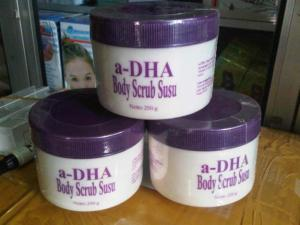 adha_body_scrub